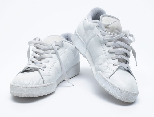 Witte-sneakers-onderhouden
