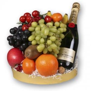 Fruitmanden met champagne
